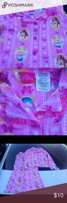 (NEW) Girls 6x Disney Princess Pajamas 2-Piece (NEW). Tags attached. Size: 6x. 2-Piece top and bottom. Top is button up. Smoke and pet free. Ready to ship! Thanks!! Disney Pajamas Pajama Sets