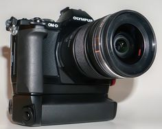 Customizing the Olympus OM-D E-M5 - Update - Using the Power Battery Holder | Thru Mikes Viewfinder