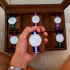 New year sales! By applying the code of you can receive off for all Daniel Wellington watches. Daniel Wellington Strap, Daniel Wellington Watch Women, Elegant Watches, Beautiful Watches, Cool Watches, Watches For Men, Trendy Watches, Dw Watch, Shopping