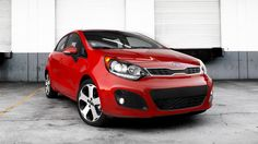 KIA Rio 2015, having the 1.6 liters engine will be equipped with fog lights, autoswitch for all lighting, window regulators for all glasses, the central lock and a luggage carrier.