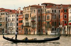 First-Time Venice Visitor Guide : Travel Tips, Uniquely Venice