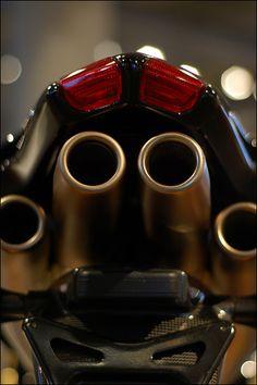 2006 MV Agusta F4-1000 Exhaust   Flickr - Photo Sharing!