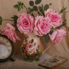 Pretty Jug,Pretty Roses