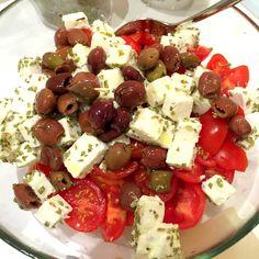 insalata greca http://www.bettinaincucina.com/2015/11/oggi-cucina-carlotta-insalata-greca-per-lestate-di-san-martino/