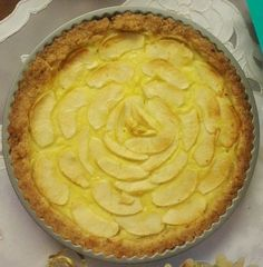 Golosa torta di mele con crema pasticciera