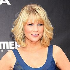 Carrie Keegan curly long bob - Hairstyles for round faces