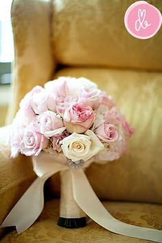Bridal bouquet texture inspiration: hydrangea, roses, garden roses, spray roses