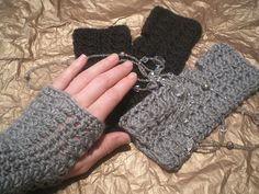Have made several pairs of these. Cute and easy! Free pattern too!