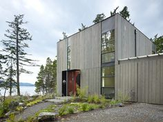 Doe Bay Cabin / Heliotrope Architects