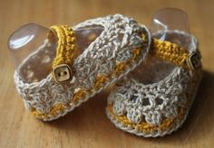 Ballerines trouvées sur : http://crochetbrio.blogspot.co.uk/