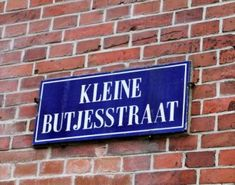 Hoe de Butjesstraat zijn naam kreeg My Images, Netherlands, Holland, Humor, My Love, City, Street, Quotes, My Boo