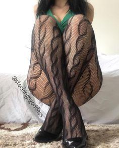 Thanks @stockingsgoddess #collants #pantyhose #tights #nylonfeet #nylonf #tights #nylonfeet #nylonfetish #pantyhosefeet #nicefeet…