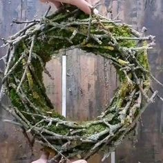 DIY moss wreath with branches - The all-rounder! I& show you how you can decorate a moss wreath with small branches! The wre - Moss Wreath, Diy Wreath, Grapevine Wreath, Christmas Decorations To Make, Christmas Wreaths, Mediterranean Decor, Country Farmhouse Decor, Succulents Diy, Easter Wreaths