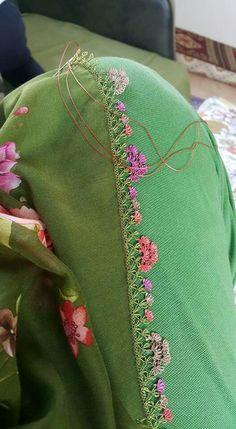 Hulyasya kaptı 🌹 Needle Lace, Needle And Thread, Baby Knitting Patterns, Crochet Patterns, Hand Embroidery, Tatting, Needlework, Bomber Jacket, Sari