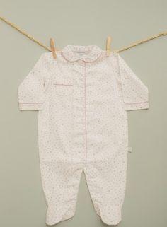 100% #cotton #pyjama for #baby with pink little stars from #Lettsdream. #cool #nice #sweet #pijama #newborn #reciennacido