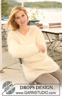 """Knitted DROPS jumper with berry pattern in """"Vienna"""". Size S-XXXL. ~ DROPS Design"""