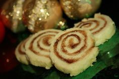 Pets de Soeurs (French Canadian Cinnamon Pastries, literally translates to nuns farts lol). These are the best! Good use for extra pie dough Canadian Dishes, Canadian Cuisine, Canadian Food, Canadian Recipes, Canadian Culture, Canadian French, Cinnamon Pastry Recipe, Cinnamon Rolls, Cinnamon Swirls