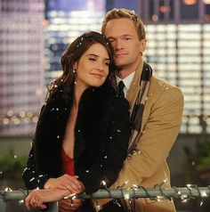 How Met Your Mother Robin Scherbatsky Barney Stinson. They should have ended the show with them together Barney Y Robin, Ted And Robin, How I Met Your Mother, Robin Scherbatsky, Ted Mosby, Tv Show Couples, Movie Couples, Power Couples, Robin Photos