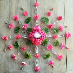 Flower and crystal grid Crystal Guide, Crystal Magic, Crystal Healing, Crystal Mandala, Crystal Flower, Flower Mandala, Mandala Art, Flower Art, Crystals And Gemstones