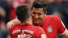 Bundesliga: Die schönsten Fotos vom Bundesligaspiel zwischen dem FC Bayern und dem FC Augsburg.