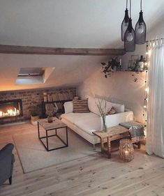 Bohemian Latest And Stylish Home decor Design And Life Style Ideas Cozy Room Decor, Bedroom Design, Budget Home Decorating, Bedroom Decor, Home Decor, Attic Bedroom Designs, House Interior, Room Decor, Home Deco