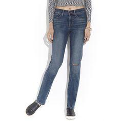 Jeans Levi's de corte Slim Fit con diseño deslavado detalle deshilachado en pierna y pespuntes a contraste.