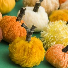 These little warm and fuzzy fabric pumpkins will make great additions to your fall and Halloween decorating collections. This is also a craft that the… Autumn Crafts, Thanksgiving Crafts, Holiday Crafts, Holiday Fun, Thanksgiving Decorations, Diy Halloween, Halloween Pumpkins, Halloween Decorations, Fall Decorations