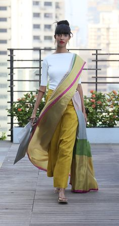 Need to know about quality Latest Elegant Indian Sari something like Elegant Saree plus Blouse in which case Click VISIT above for more options Saree Draping Styles, Saree Styles, Indian Designer Outfits, Indian Outfits, Designer Dresses, Indian Photoshoot, Modern Saree, Sari Blouse Designs, Stylish Sarees