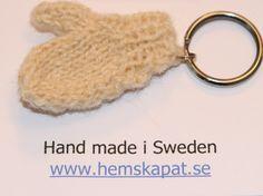 Miniature knitting Sticks, Weird, Miniatures, Knitting, Fun, Handmade, Tricot, Hand Made, Breien