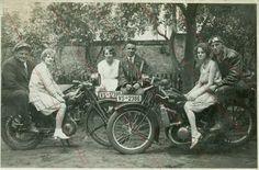 old DKW Old Photos, Vintage Photos, Old Motorcycles, Historical Photos, Biking, Motorbikes, 1930s, Europe, Black And White