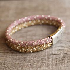 Perle häkeln Seil Armband Gold rosa Rocailles von Naryajewelry