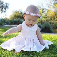 How beautiful is this little girl @addi.rose  with her @dollcakevintage dress and @lilly.and.lace headband  #juniortrends