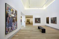 Edificio de Ampliación, sala 26, con obra de artistas españoles de los años 50-70 (El Paso, Equipo Crónica, Oteiza...). Fotografía: Marcos Morilla.