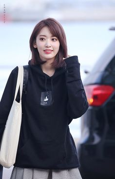 Sakura Yuri, Korean Girl, Asian Girl, My Girl, Cool Girl, Sakura Miyawaki, Japanese Girl Group, Famous Girls, Honda