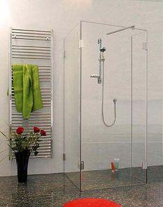 Dusche aus Glas in U-Form