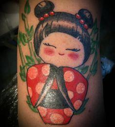 Kokeshi doll #kokeshitattoo #kokeshidoll #tattoo #japanesetattoo #kokeshidolltattoo #ink #inked #colortattoo #smalltatto #japan #tattooapprentice
