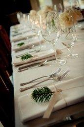 beautiful-winter-table-settings-11