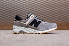 New Balance 572: Grey & Black