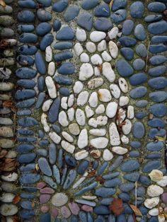 Pebble Mosaic Cat on garden pathway idea