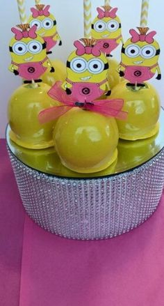 Minion Candy Apples http://pearlandsweettooth.mysimplestore.com/products/girl-minion-candy-apple-kit-includes-candy-apple-mix