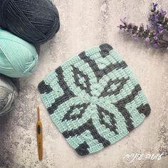 ריבוע בדיקה. עוד תהיה פה שמיכה. בחיי. הדוגמה היא Midnight Diamond Blanket של Catherine Noronha וזה קיץ כבר בחוץ? מה חדש? שמישהו יעדכן אותי!!! 😉 . . . #סריגה #סריגהבישראל #עושהעיניים #סדנאות #סדנאותיצירה #crocheting #crochetaddiction #crochetlove #crochetaddict #moderncrochet #crochet #crochetblanket #crochetblankets #midnightdiamondblanket Scrap Yarn Crochet, Crochet Fall, Crochet Home, Knit Crochet, Easy Crochet Hat Patterns, Tapestry Crochet Patterns, Crochet Stitches, Crochet For Beginners Blanket, Crochet Squares
