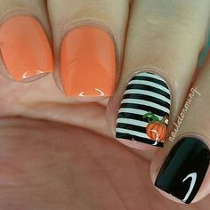 Halloween is right around the corner so you need to make sure you have your nails done to perfection to celebrate a fun holiday. We have found some of the best Halloween nail art designs for 2017 and would love to share them with you. Enjoy! TRENDING: 66 Best Halloween Nail Art Designs for 2017