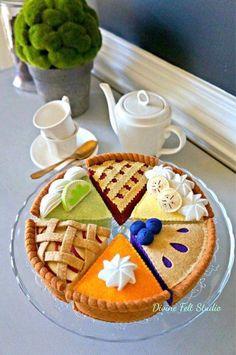 Felt Diy, Handmade Felt, Felt Crafts, Felt Cake, Felt Cupcakes, Felt Food Patterns, Felt Play Food, Banana Cream, Lemon Cream