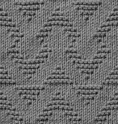 Rows of up and down chevrons and triangles in reverse garter stitch. This stitch… Knit Purl Stitches, Knitting Stiches, Knitting Charts, Loom Knitting, Knitting Patterns Free, Knit Patterns, Free Knitting, Stitch Patterns, Knitting Designs