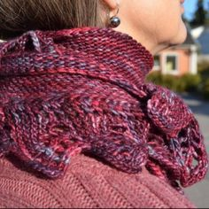 Pyttipanna is the namn of my shawl. You can use any yarn, so grab your favorite and use needles that are 2 sizes larger than what the yarn recommends! Start with the lace edge and make it at least … Stick O, Lace Knitting, At Least, Blogg, Knits, Larger, Ponchos, Threading, Lace Making