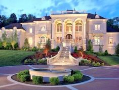 Mansions – Luxury Homes ! Mansions – Luxury Homes ! Mansion Homes, Dream Mansion, White Mansion, Luxury Homes Dream Houses, Dream Homes, House Goals, My Dream Home, Exterior Design, Luxury Homes Exterior