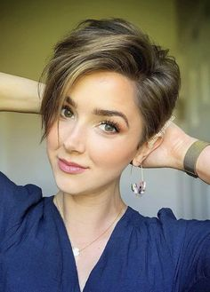 30 chic short pixie haircut ideas for women 2019 - page 6 of 30 - fashionsum bl . - hairstyles - 30 Chic Short Pixie Haircuts Ideas For Woman 2019 – Page 6 of 30 – Fashionsum Bl … alt = - Short Hairstyles For Thick Hair, Short Pixie Haircuts, Short Hair Cuts For Women, Curly Hair Styles, Short Cuts, Haircut Short, Haircut Styles, Style Short Hair Pixie, Pixie Haircut For Thick Hair Wavy