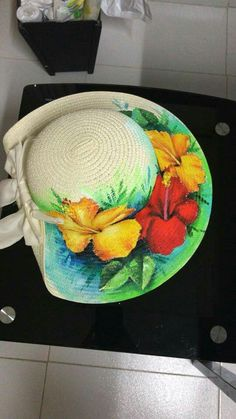 One Stroke Painting, Tole Painting, Fabric Painting, Painted Hats, Painted Clothes, Fancy Hats, Cute Hats, Stained Glass Mirror, Denim Art