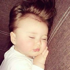 Image about baby in Meu Ano em Hearts by moda So Cute Baby, Cute Baby Girl Pictures, Cute Funny Babies, Baby Love, Cute Kids, Cute Babies Photography, Cute Baby Wallpaper, Baby Smiles, Baby Boy Newborn
