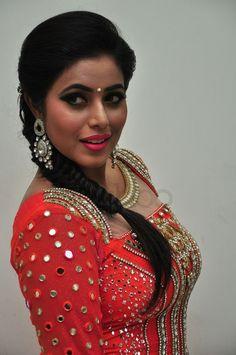 South Indian Actress Photo, Indian Actress Photos, Indian Actresses, Indian Bridal Outfits, Indian Designer Outfits, Most Beautiful Indian Actress, Beautiful Actresses, Bollywood Girls, Cute Beauty
